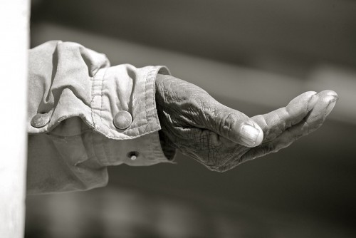 1200px-The_Hand_(3950973346)